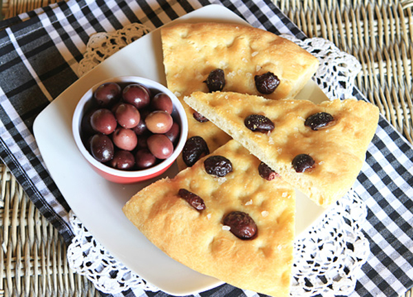 Olive Focaccia – Italian Food Forever