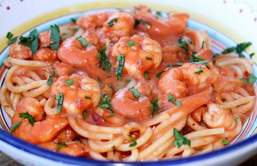 Spaghetti With Shrimp In Creamy Tomato Sauce Italian Food Forever