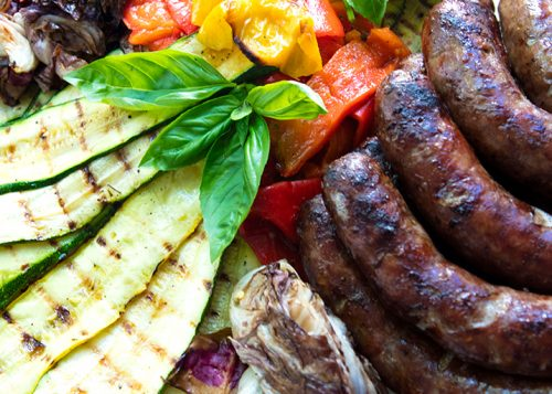 Italian food forever those who eat well eat italian grilled red wine marinated sausages with vegetables forumfinder Gallery