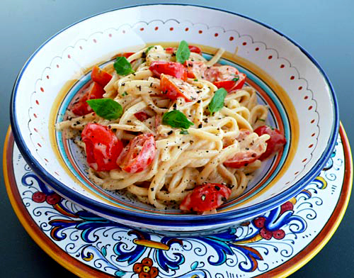 Pasta with creamy vodka sauce cherry tomatoes italian food forever i forumfinder Gallery