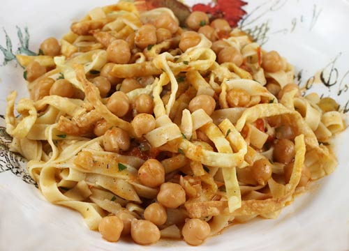 pugliese pasta with chickpeas ? italian food forever - La Cucina Pugliese