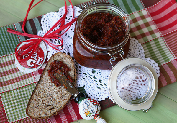 A delicious condiment or sauce that can be used on everything from grilled bread to pasta.