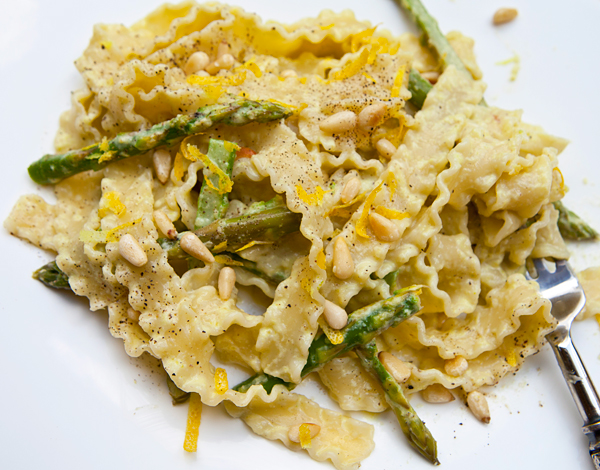 A subtle flavored creamy sauce that would be delicious tossed with any pasta shape.