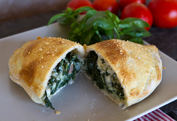 How to make homemade cheese calzones with ricotta