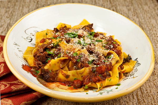 Easy Slow Cooker Beef Short Ribs Pasta Sauce – Italian Food Forever