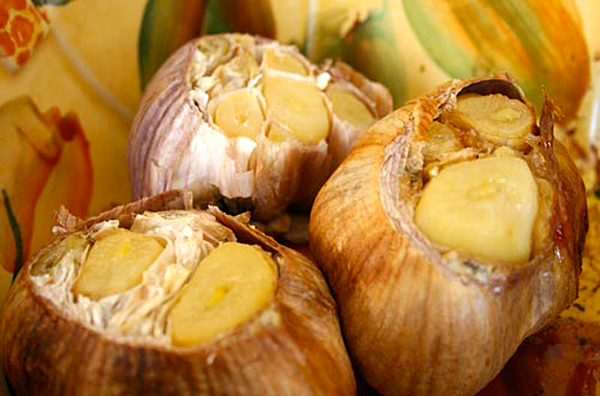 Roasted Garlic Focaccia – Italian Food Forever