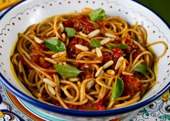 Italian food forever those who eat well eat italian how to make garden fresh tomato sauce step by step forumfinder Gallery