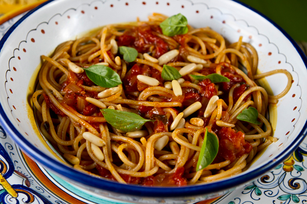 Learn how to make a delicious pasta sauce using fresh garden tomatoes.