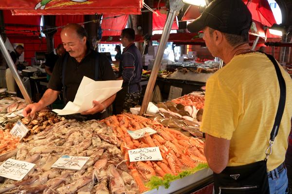 fishmarket3