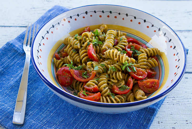 Pesto Pasta With Cherry Tomatoes