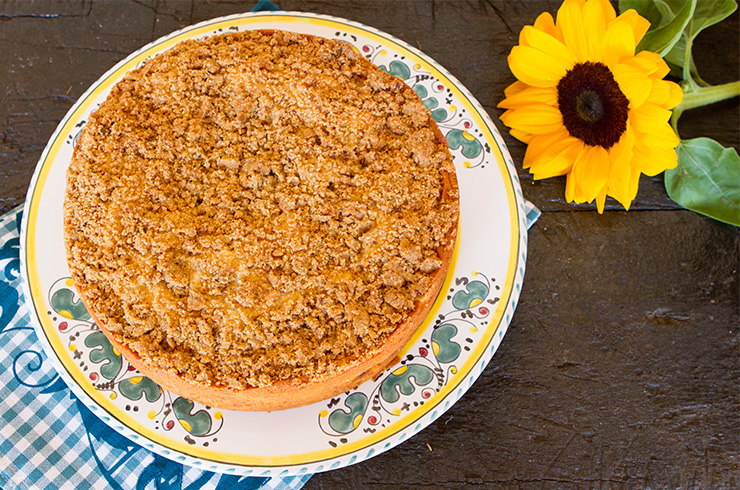 Summer Peach Cake With Streusel Topping