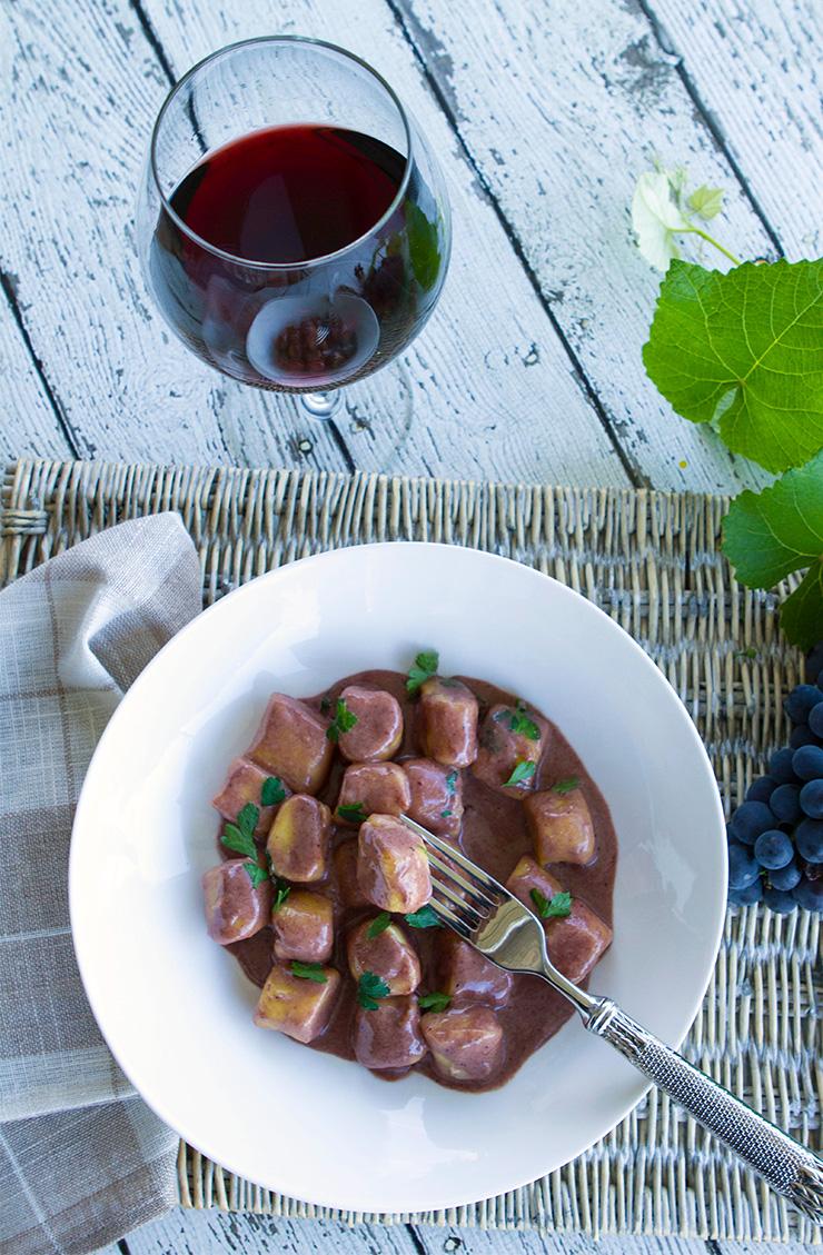 Travel Street Dish winegnocchi7 Gnocchi in Sagrantino Wine Sauce {Gnocchi al Sagrantino}