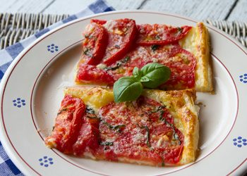 Italian food forever those who eat well eat italian quick easy rustic summer tomato tart forumfinder Gallery