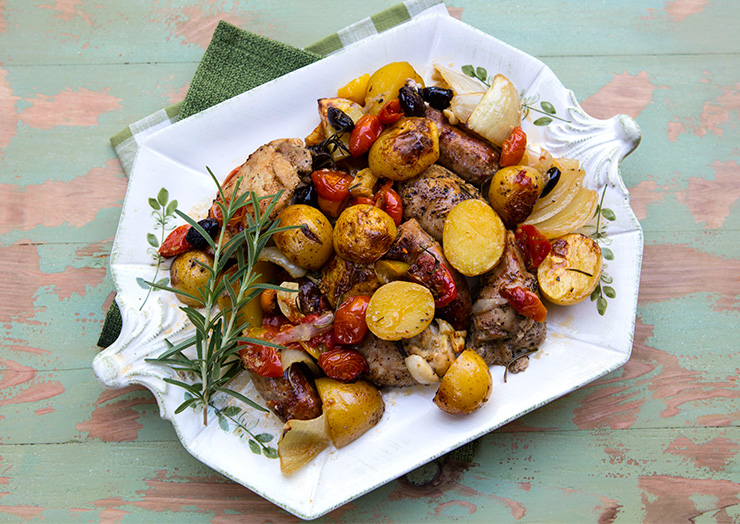 Skillet roasted chicken potatoes sausages italian food forever and i thoroughly enjoy using mine for both savory and sweet recipes this recipe combines chicken pieces along with italian sausages forumfinder Image collections