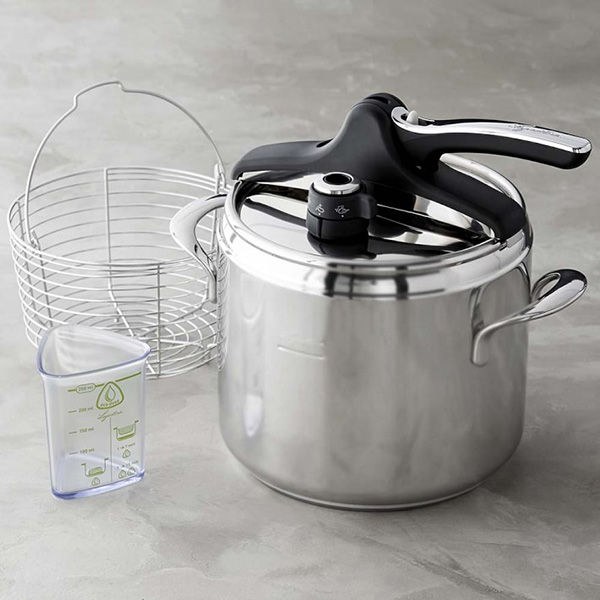lagostina-pressure-cooker-with-steamer-basket-o
