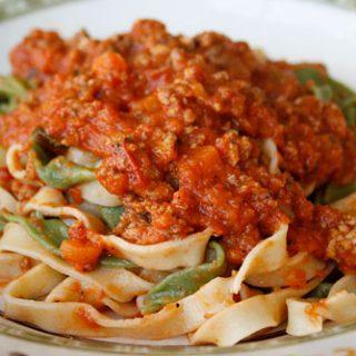 Paglia e Fieno With Bolognese Sauce