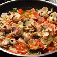 Sauteed Clams In Tomato Sauce