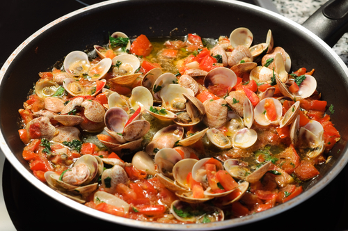 A simple tomato sauce allows the true flavor of the clams to shine through!