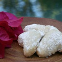 Buttery Walnut Crescent Cookies