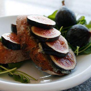 Bruschetta With Gorgonzola And Fresh Figs