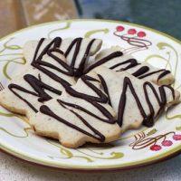 Buttery Walnut Cookies With Dark Chocolate