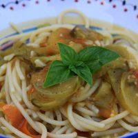 Spaghetti With Green Tomato Sauce