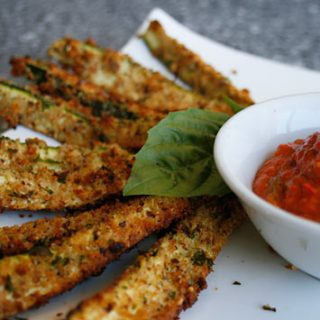 Zucchini Sticks With Spicy Pepper Sauce
