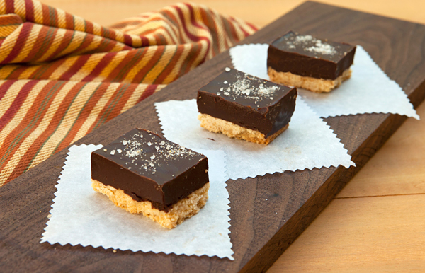 Layered bars flavored with dark chocolate and caramel.