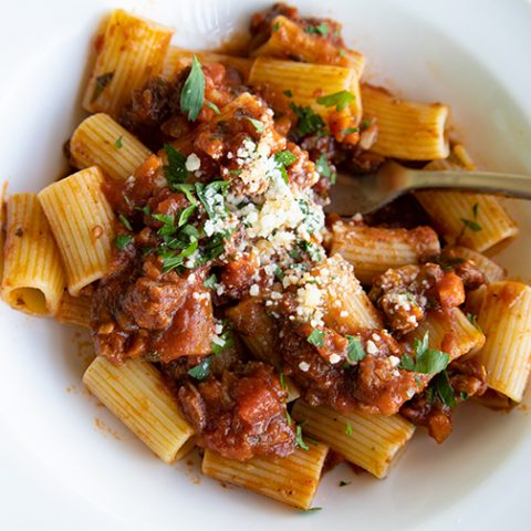 Easy Slow Cooked Beef Short RIbs Pasta Sauce