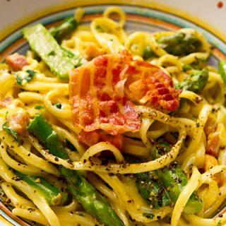 Pasta Carbonara With Asparagus & Pecorino Cheese