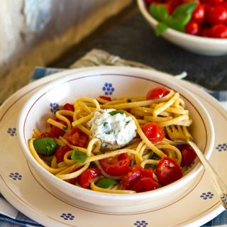 Pasta With Cherry Tomatoes and Herbed Ricotta