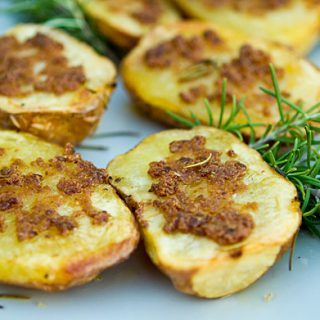 Olive Oil Potatoes With Roasted Garlic