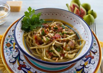 Fig & Prosciutto Pasta WIth Pine Nuts