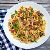 Pasta With Figs, Prosciutto & Pine Nuts