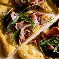 Pizza Bianca With Fresh Figs, Prosciutto & Arugula