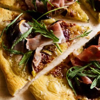 Pizza Bianca With Fresh Figs, Prosciutto & Arugula