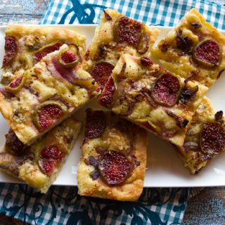 Focaccia With Figs, Caramelized Onions, & Gorgonzola Cheese