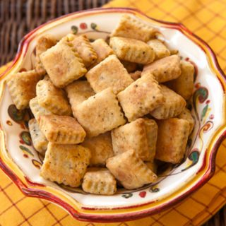Pecorino & Black Pepper Cheese Crisps