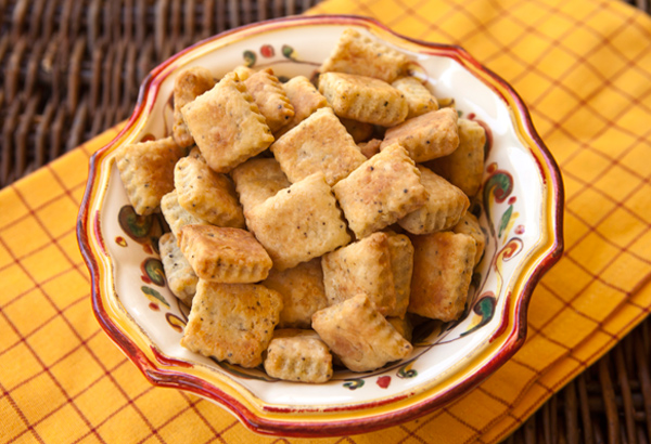 A quick and easy recipe to make tasty cheese crisps lightly flavored with Pecorino Romano cheese and black pepper.