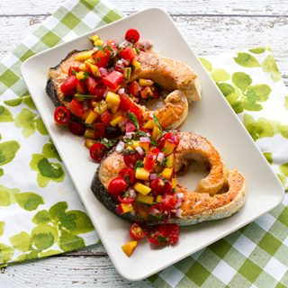 Grilled Salmon With Tomato Peach Relish