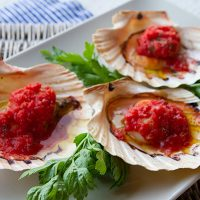 Baked Scallops With Tomato Sauce