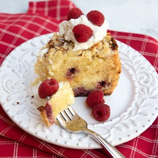 Raspberry Cake With Almond Streusel