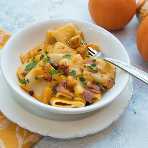 Pasta With Creamy Goat Cheese Squash Sauce & Bacon