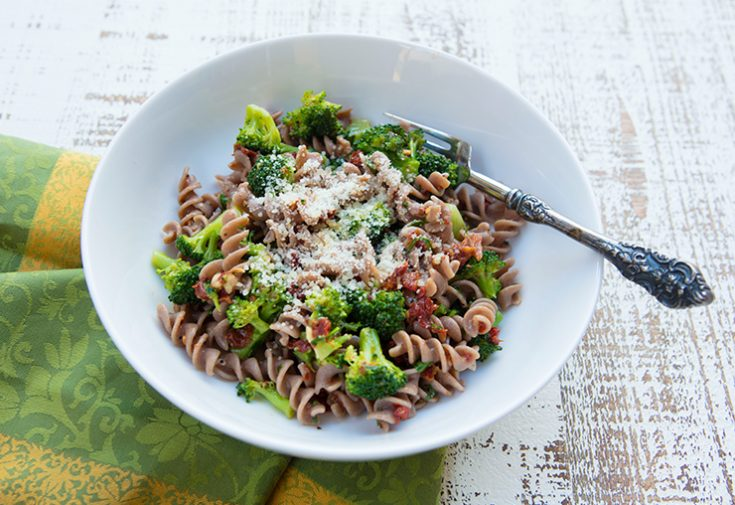 A healthy quick and easy pasta dish that is delicious too!