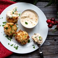 Crab Poppers With Horseradish Dipping Sauce