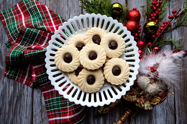 Tender filled cookies flavored with almond and chocolate.