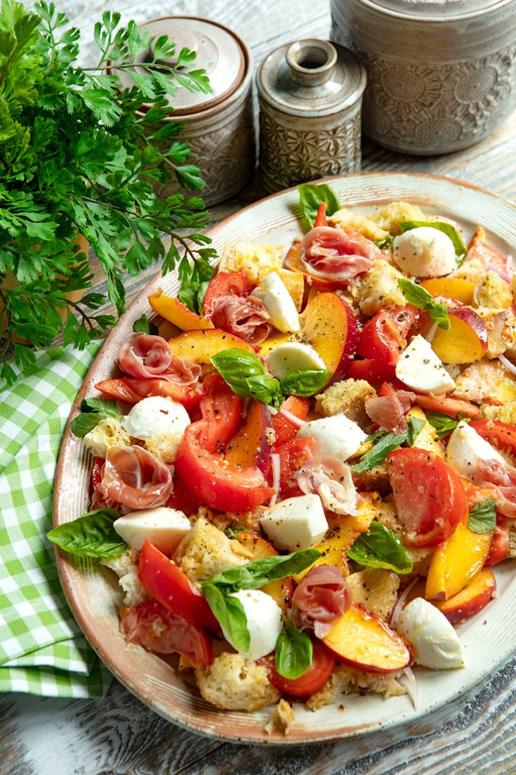 A traditional Tuscan salad bursting with summer flavors.