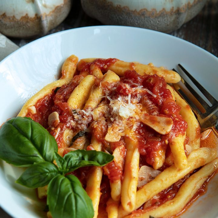Pasta With Preserved Tomato Sauce